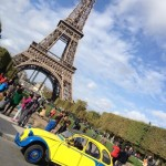 2CV Paris Tour : Visit Paris by 2CV! Eglantine and the Eiffel tower