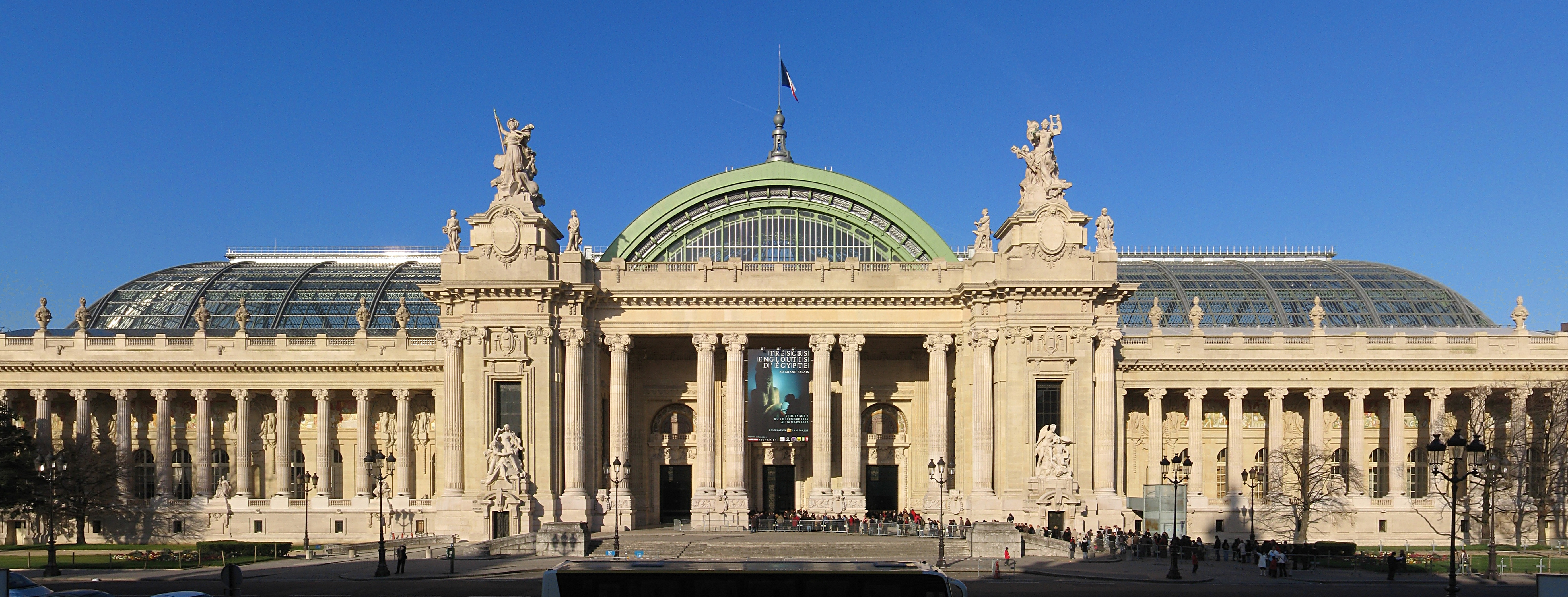 2cv paris tour paris sightseeing tours by 2cv the grand palais. Black Bedroom Furniture Sets. Home Design Ideas