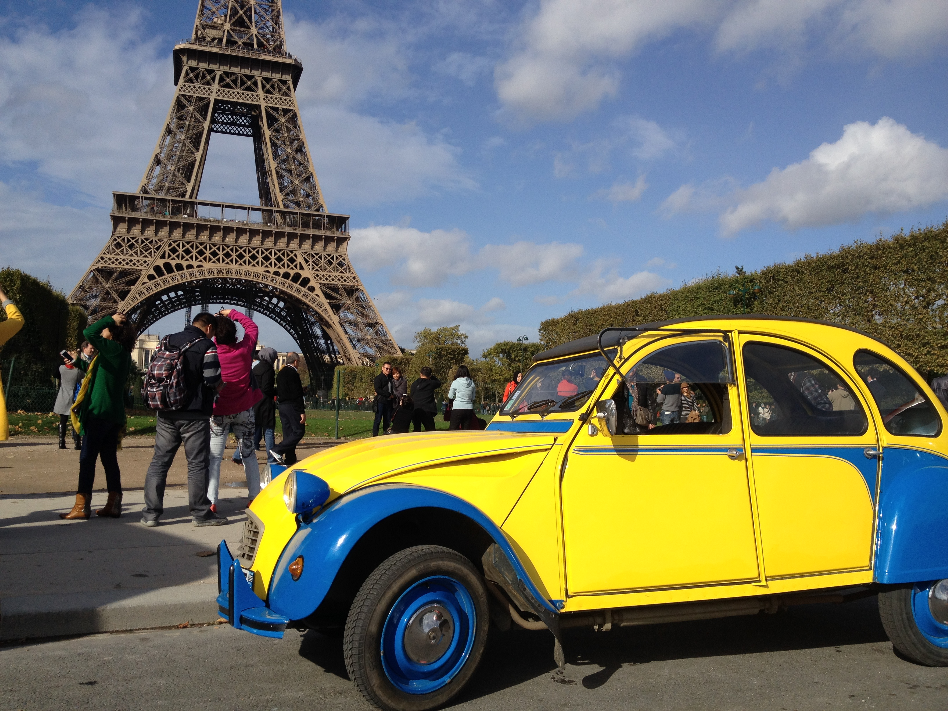 2cv sightseeing tours of paris photos of our 2cv trips. Black Bedroom Furniture Sets. Home Design Ideas