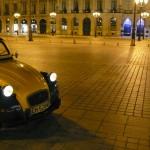2CV Paris Tour : Visit Paris by 2CV! Place Vendôme and Eglantine, our 2CV car