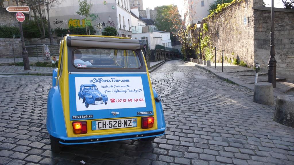 2CV Paris Tour : Visit Paris by 2CV! A secret street of Montmartre