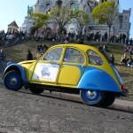 2CV Paris Tour : Visit Paris by 2CV! The 2CV in front of the Sacré Coeur