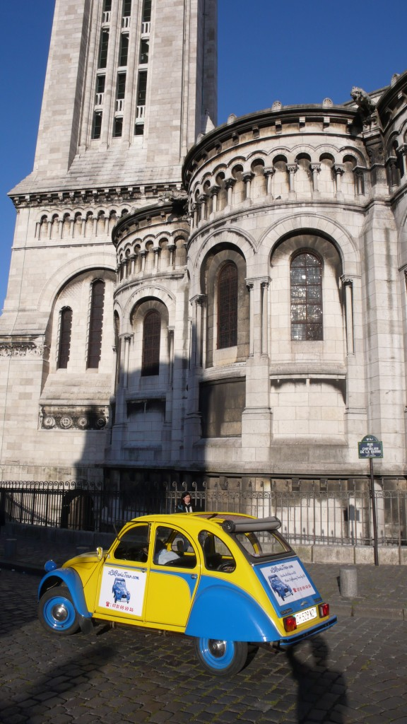 2CV Paris Tour : Visit Paris by 2CV - Behind the Sacré-Coeu