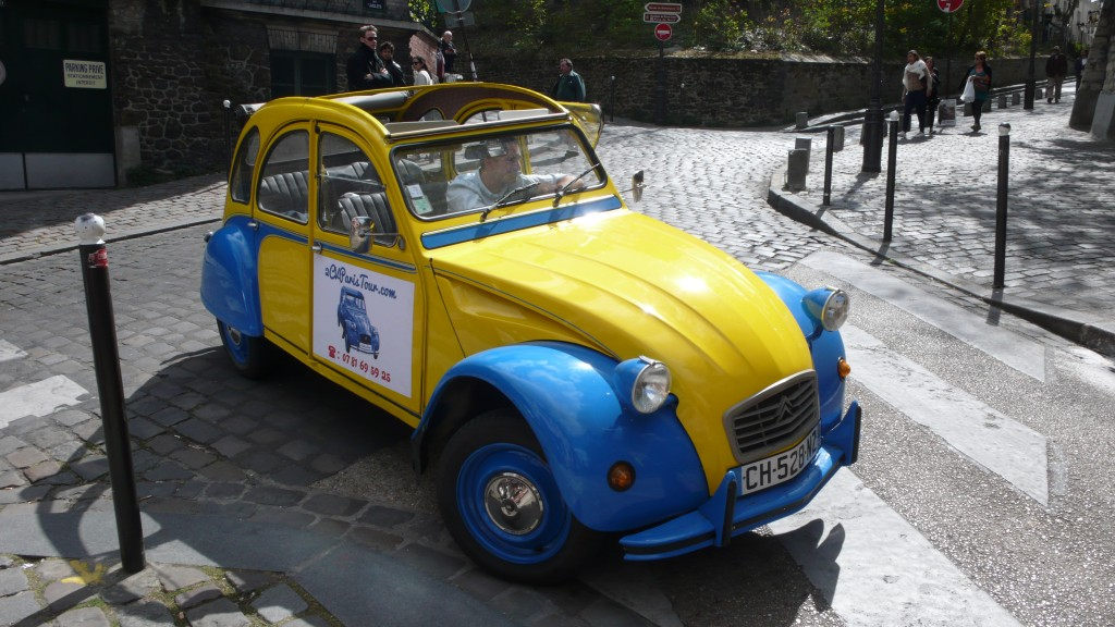 2cv paris tour visit paris by 2cv the 2cv and the streets of montmartre. Black Bedroom Furniture Sets. Home Design Ideas