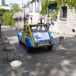 2CV Paris Tour - Visit Paris by 2CV! Going down the street
