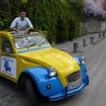 2CV Paris Tour - Visit Paris by 2CV! Eglantine the 2CV and her driver