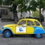 2CV Paris Tour - Visit Paris by 2CV! Place Dalida