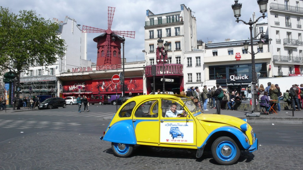 2CV Paris Tour - Visit Paris by 2CV! The Moulin Rouge