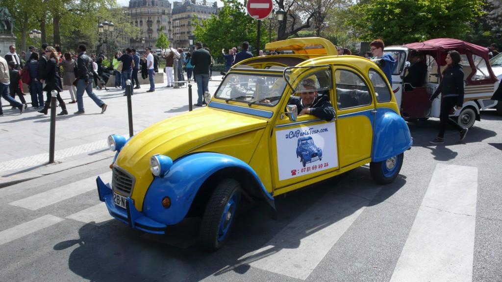 2CV Paris Tour - Visit Paris by 2CV! Place of Notre Dame of Paris