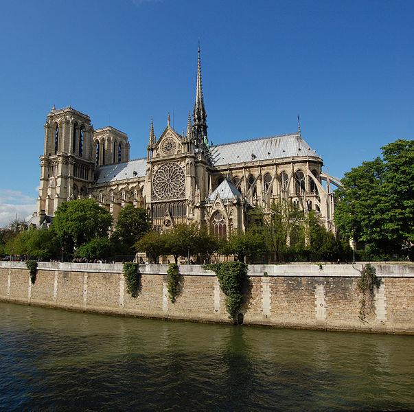 2CV Paris Tour : Paris Sightseeing Tours by 2CV! Notre-Dame de Paris