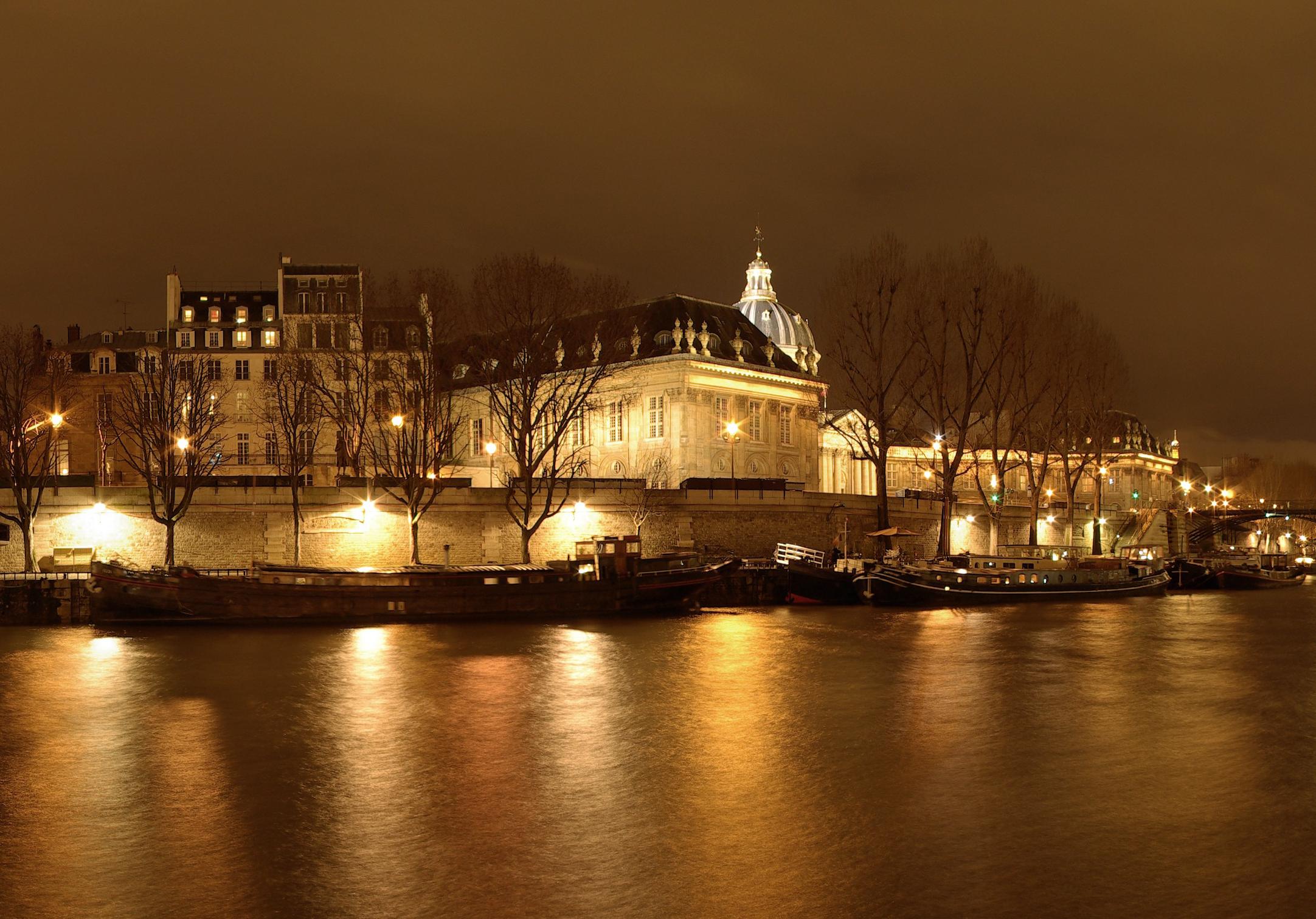2cv paris tour paris city tours in a 2cv sightseeing tours and paris by night grand 2cv. Black Bedroom Furniture Sets. Home Design Ideas