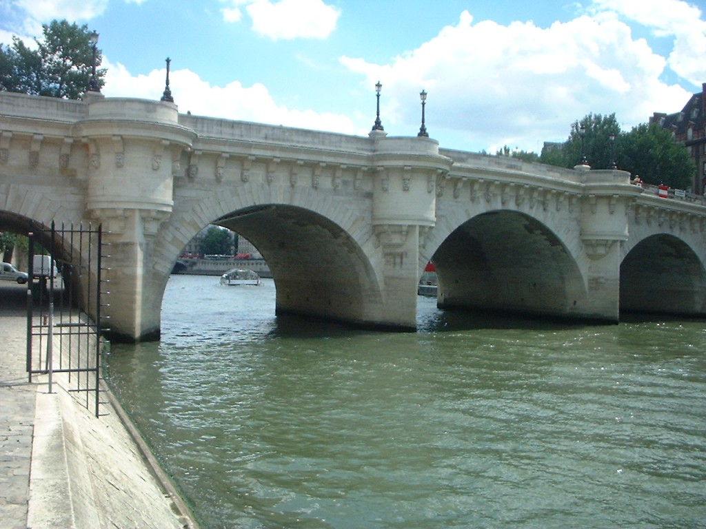 2CV Paris Tour : Visit Paris by 2CV! Pont Neuf