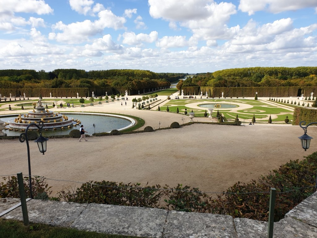 2CV-Paris-Tour-Versailles-landscape-view