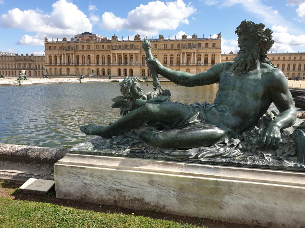 Private-guided-Versailles-Rear-View-statue