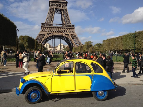 2CV Paris Tour - Tour Eiffel 2