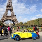2CV Paris Tour : Visit Paris by 2CV! The Eiffel tower in background