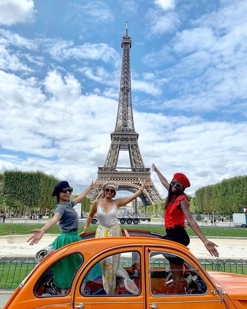 2CVParisTour-2CV-Tour-Eiffel-Orange-2CV