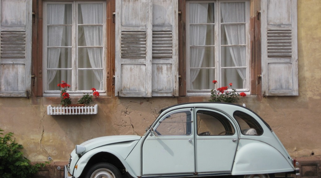 A 2CV trip in Paris with 2CVParisTour - More about the 2CV