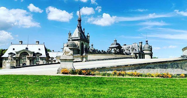 2CVParisTour-Castle-Tours