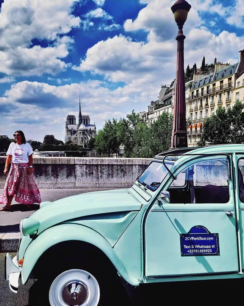 2CVParisTour-Paris-Notre-Dame-Green-2CV