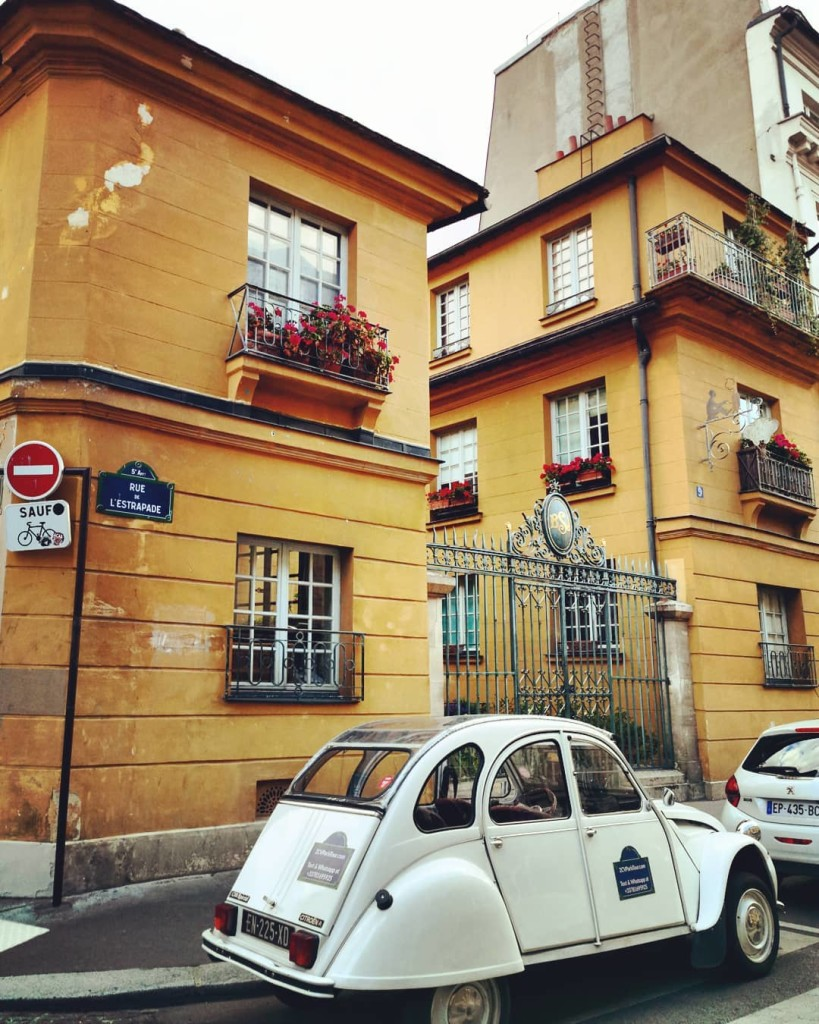2CVParisTour-Quartier-Latin-Yellow-Building
