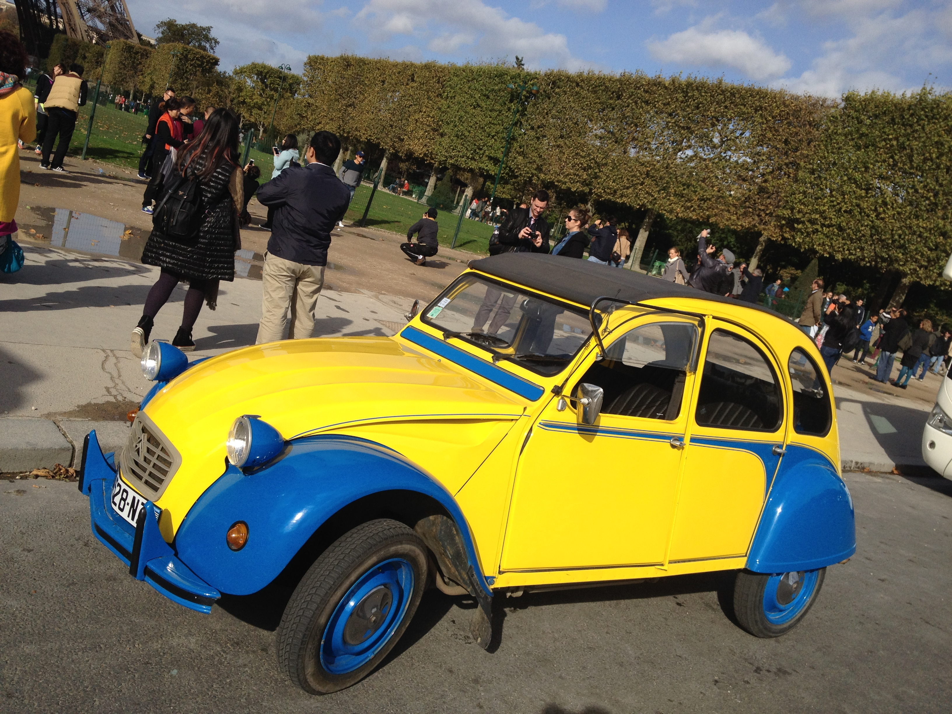 2CVParisTour : 2CV Sightseeing tours by 2CV! Our 2CV Eglantine!