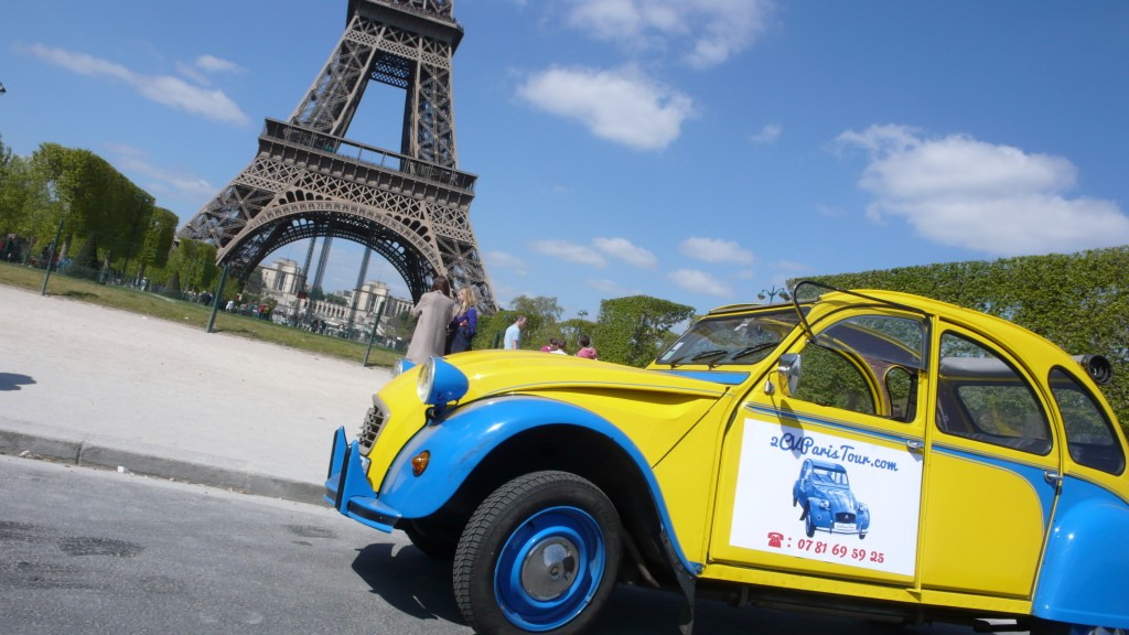 2CV Paris Tour : Visit Paris by 2CV! Eglantine and Place Jacques Rueff