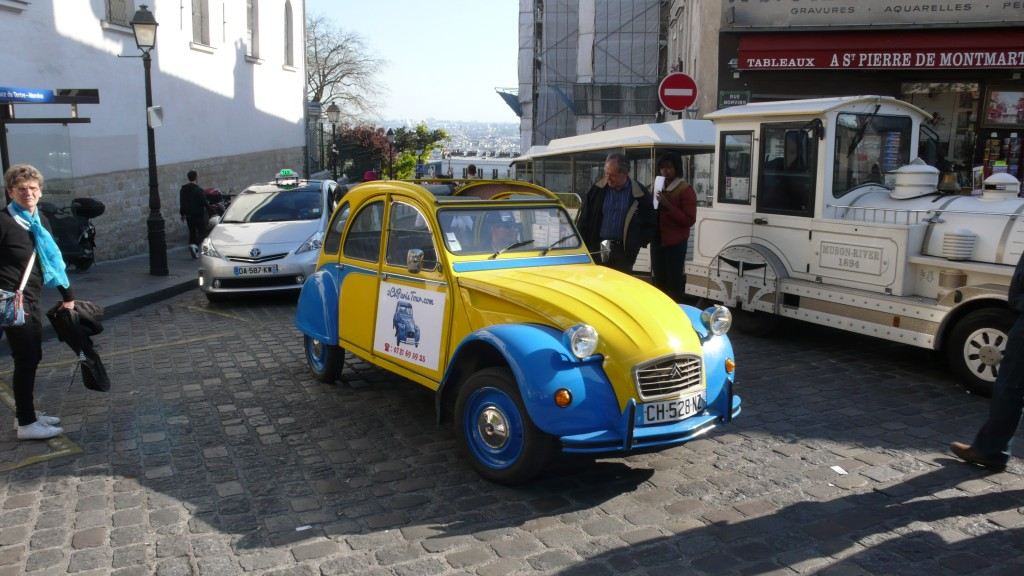 2CV Paris Tour : Visit Paris by 2CV! The top of Montmartre