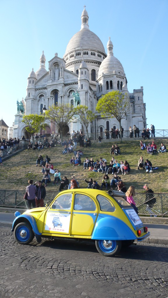 2CV Paris Tour : Visit Paris by 2CV! The Sacré Coeur in Montmartre