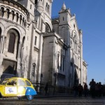 2CV Paris Tour : Visit Paris by 2CV! The left side of the Sacré-Coeur