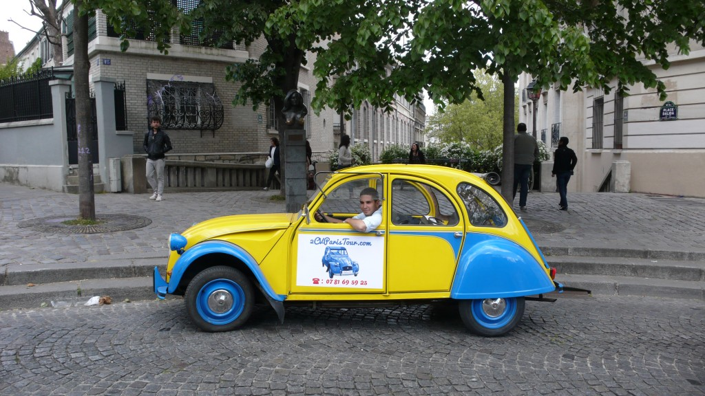 2CV Paris Tour - Visit Paris by 2CV! Place Dalida