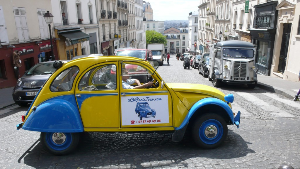 2CV Paris Tour - Visit Paris by 2CV! Heading to Rue des Abbesses