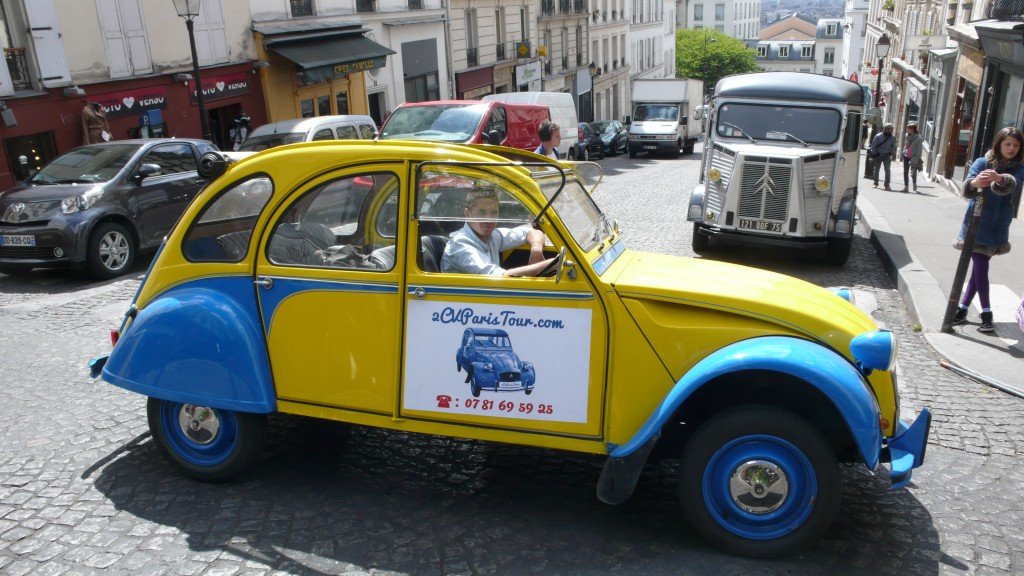 Paris Tour - Visit Paris by 2CV! The 2CV and the Citroën vintage truck