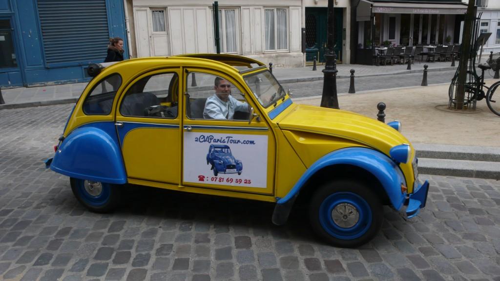 2CV Paris Tour - Visit Paris by 2CV! Place Dauphine : Right!