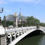 2CV Paris Tour : Visit Paris by 2CV! The Alexandre III Bridge