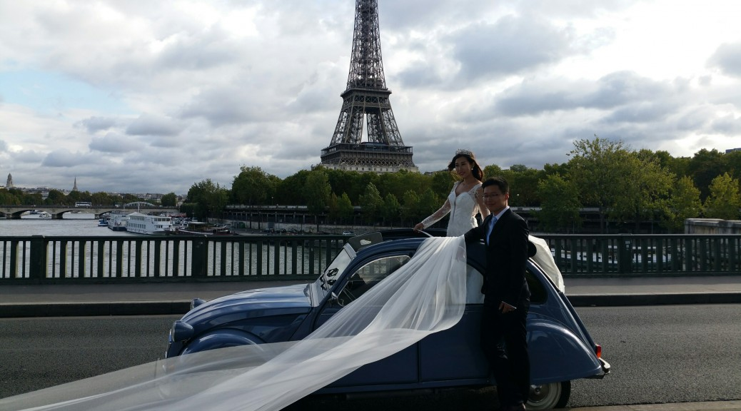 The Wedding 2CV Tour in Paris - 2CVParisTour